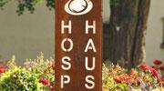 Tafel mit Schriftzug Hospiz-Haus