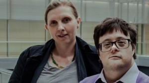 Corinna Rüffer mit Pablo Pineda