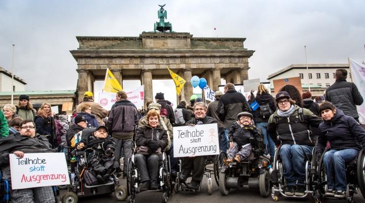 Protest gegen das Bundesteilhabegesetz am Brandenburger Tor (7. November 2016)