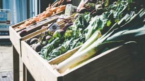 Gemüse in einer Geschäftsauslage